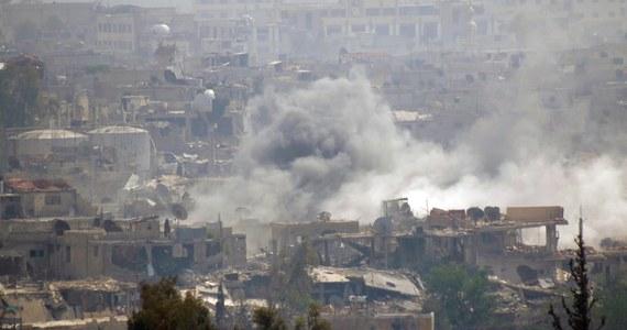 Co najmniej 147 osób zginęło w ostatnich dziewięciu dniach w wyniku toczonych pod Damaszkiem walk między syryjską armią a dżihadystami z Państwa Islamskiego (ISIS) - podało w sobotę Syryjskie Obserwatorium Praw Człowieka.