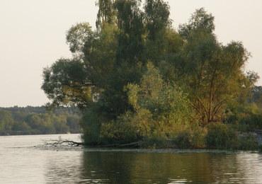 Wypadek na jeziorze Jeziorsko. 10 osób wpadło do wody