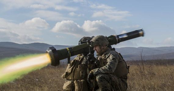 Prezydent Ukrainy Petro Poroszenko potwierdził w poniedziałek, że ukraińskie siły zbrojne otrzymały amerykańskie systemy przeciwpancerne Javelin. Ocenił, że znacząco wzmocni to potencjał obrony Ukrainy przed rosyjską agresją.