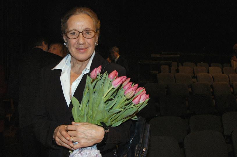 """Kochana i podziwiana – zarówno jako aktorka, profesor sztuk teatralnych, jak i mama oraz babcia. Każda jej rola to majstersztyk, przemyślany w najdrobniejszym szczególe. """"Miałam wielkie szczęście"""" - mówi Maja Komorowska."""