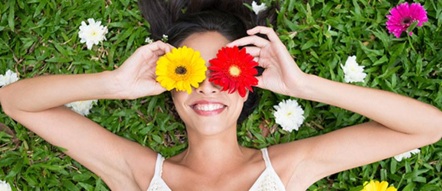 Wiosna to czas, kiedy zaczynamy intensywniej dbać o kondycję swojego ciała. Zwracamy większą uwagę na dietę, staramy się być bardziej aktywni, a także częściej korzystamy z profesjonalnych metod pielęgnacji, dostępnych w salonach urody.