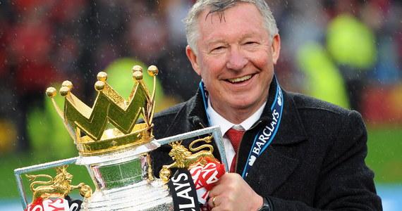 Były trener piłkarzy Manchesteru United Alex Ferguson wybudził się ze śpiączki - informują brytyjskie media. Według informacji prasy 76-letni Szkot trzy dni po wylewie krwi do mózgu i operacji jest w stanie siedzieć oraz rozmawiać z rodziną.