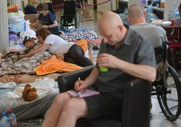 Sejm podniósł rentę socjalną. Protest niepełnosprawnych nadal trwa