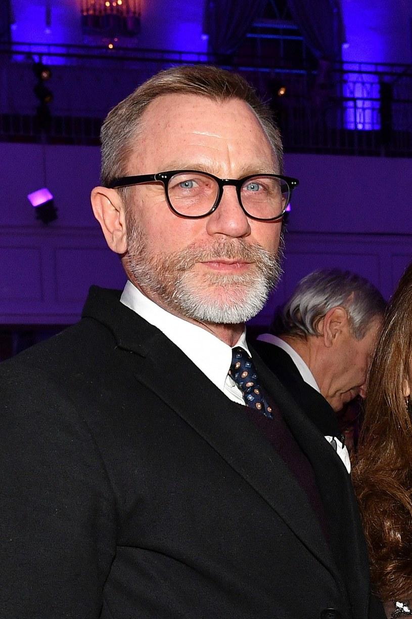 """Daniel Craig za rolę w nowym Bondzie może liczyć na wynagrodzenie w wysokości 25 milionów dolarów - wynika z informacji magazynu """"Variety"""", który dotarł do zarobków hollywoodzkich gwiazd."""