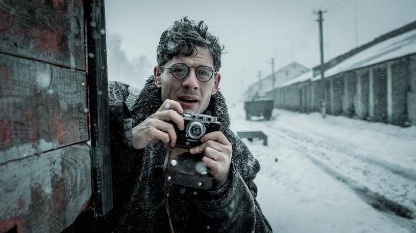 """James Norton (""""Wyścig"""", """"Wojna i pokój"""", """"Linia życia"""") wcieli się w tytułową postać w politycznym thrillerze Agnieszki Holland """"Gareth Jones"""". Ekipa właśnie zakończyła zdjęcia w Polsce, by przenieść się do Szkocji."""