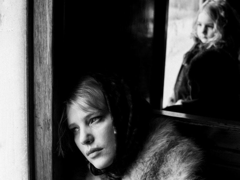 """Czytam w zagranicznej i krajowej prasie, że """"Zimną wojną"""" Paweł Pawlikowski udowadnia, że zasłużył na Oscara; że jest artystą totalnym, twórcą na poziomie światowym. Nieprawda. """"Zimną wojną"""" Paweł Pawlikowski niczego nie udowadnia. Bo nic już udowadniać nie musi."""