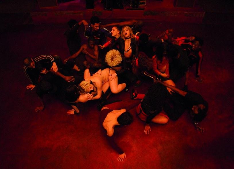 """Pojawił się pierwszy zwiastun nowego filmu Gaspara Noego """"Climax"""". Produkcja miała premierę na festiwalu filmowym w Cannes, w którym pokazywana jest w ramach sekcji Quinzaine des réalisateurs."""