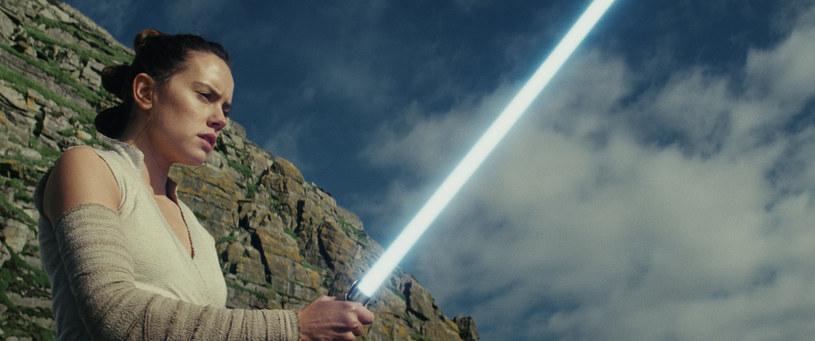 """Ponad 2 tys. kultowych, hollywoodzkich pamiątek idzie pod młotek. Wśród nich miecz świetlny z """"Gwiezdnych wojen"""" i kurtka Arnolda Schwarzeneggera z """"Terminatora""""."""