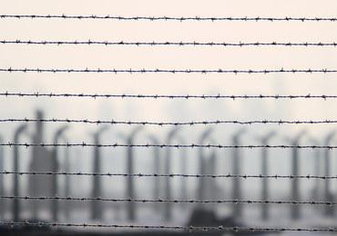 Pomnik ofiar podobozu Auschwitz zostanie przeniesiony ze skupu złomu