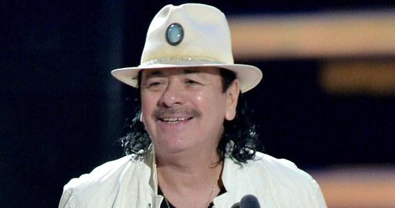 """Koncert na Tauron Life Festival Oświęcim, wyjątkowym festiwalu z pokojowym przesłaniem, pokazuje, że """"jesteśmy płomieniem, światłem, które rozświetla ciemność"""" – mówi w specjalnym wywiadzie dla RMF FM Carlos Santana. W rozmowie z Darkiem Maciborkiem podkreśla, """"że nie niesie żadnej flagi państwowej, moją jedyną flagą i paszportem jest serce. Zespół Santana jest zaprzeczeniem mrocznej ignorancji."""""""