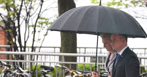 """Prezydent Andrzej Duda powiedział burmistrzowi Jersey City Stevenowi Fulopowi """"dość kategorycznie i wyraźnie, że oczekuje wypełnienia obowiązku, jakim jest poszanowanie Pomnika Katyńskiego w Jersey City"""" - powiedział w Nowym Jorku szef gabinetu prezydenta Krzysztof Szczerski. Andrzej Duda, który przebywa z kilkudniową wizytą w Stanach Zjednoczonych, złożył kwiaty pod Pomnikiem Katyńskim w Jersey City."""