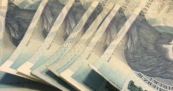 Długi Polaków wobec wymiaru sprawiedliwości wzrosły w ciągu roku do ponad 309 mln zł ze 104 mln złotych. W tym samym czasie liczba dłużników wzrosła dwukrotnie do prawie 116 tys. - wynika z danych BIG InfoMonitor. Polacy najczęściej nie płacą grzywien oraz kosztów sądowych.