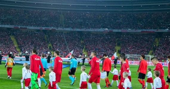 Reprezentacja Polski wciąż zajmuje 10. miejsce w rankingu Międzynarodowej Federacji Piłki Nożnej (FIFA). Prowadzą mistrzowie świata Niemcy, przed Brazylią i Belgią. Na czwartej pozycji plasuje się mistrz Europy Portugalia.