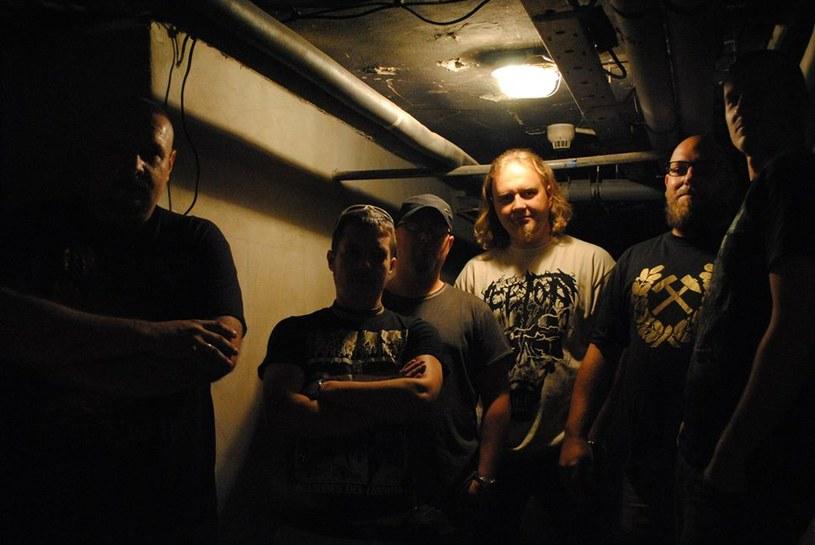 Polska, grind / deathmetalowa grupa Bottom przygotowała nowy materiał.