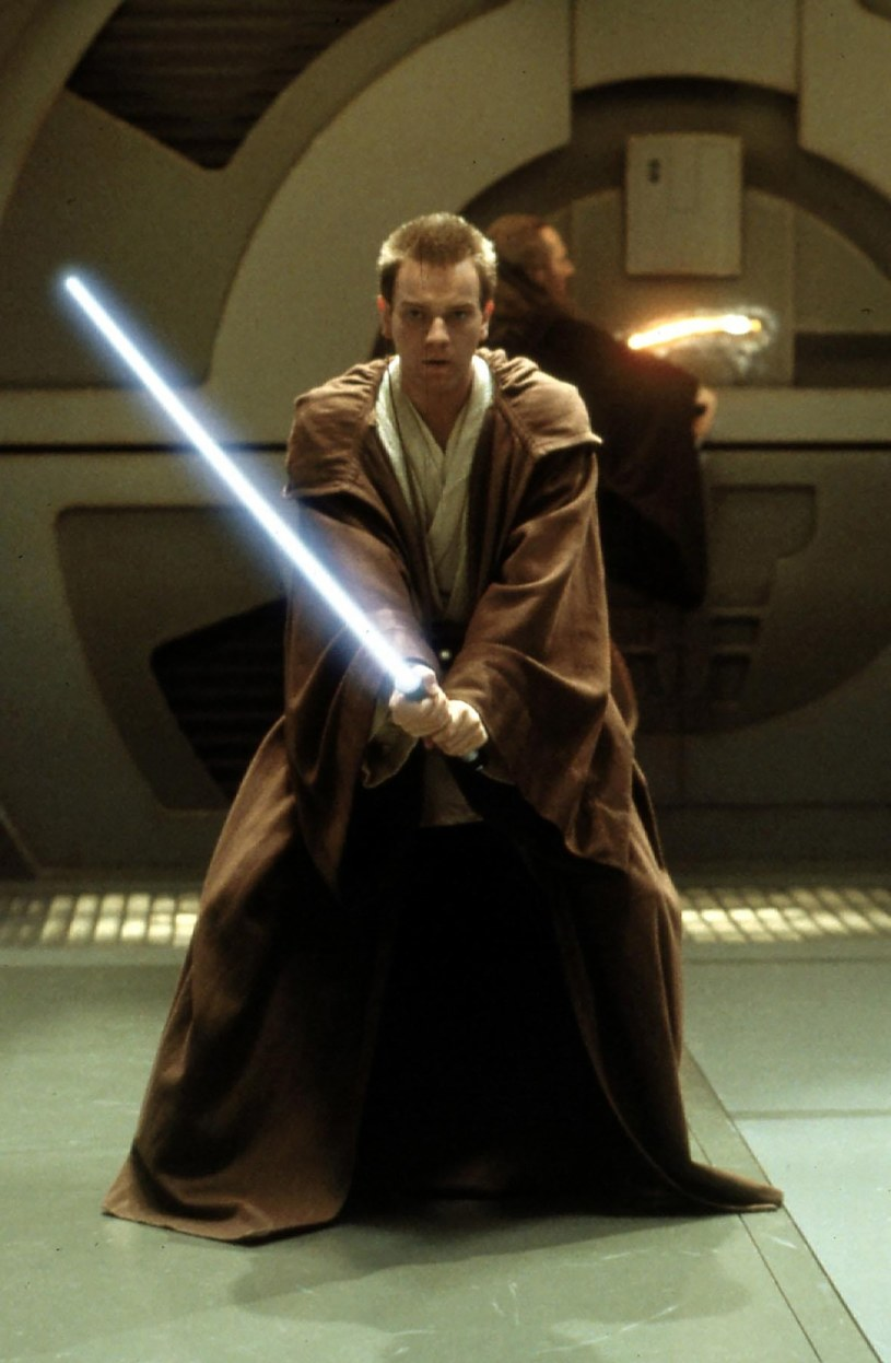 """Po filmie """"Han Solo: Gwiezdne wojny - historie"""" kolejna postać z uniwersum Star Wars doczeka się osobnego spin-offa. Disney planuje produkcję obrazu, którego bohaterem będzie Obi-Wan Kenobi."""