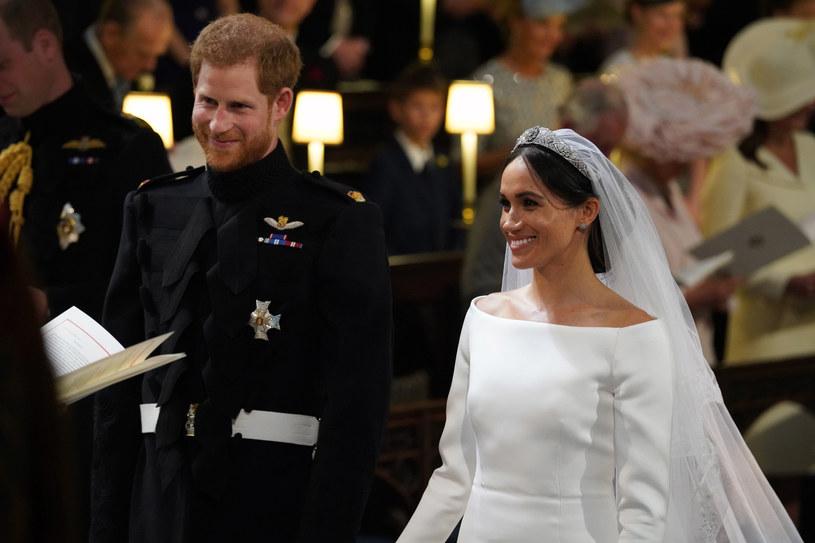 """Książę Harry i Meghan Markle są już po ślubie. W trakcie ceremonii chór gospel wykonał dla nich i zgromadzonych w kaplicy św. Jerzego gości utwór """"Stand By Me""""."""