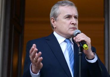 Piotr Gliński gratuluje Pawłowi Pawlikowskiemu