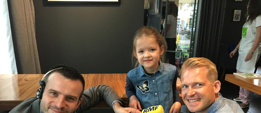 """""""Pobyty w szpitalu, ciągłe kontrole lekarskie i w końcu przeszczep, który zmienił wszystko"""" - tak pierwszych sześć lat życia swojej córki Hani wspomina w rozmowie z RMF FM jej tata, pan Adrian. Dziewczynka zachorowała na nowotwór krwi - ostrą białaczkę limfoblastyczną. Wyzdrowiała po udanym przeszczepie szpiku kostnego. 28 maja obchodzić będziemy Światowy Dzień Walki z Nowotworami Krwi."""