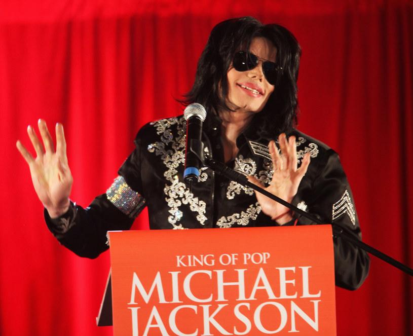 """W czwartek (24 maja) telewizja ABC opublikuje dwugodzinny materiał zatytułowany """"The Last Days of Michael Jackson"""". Przedstawiciele nieżyjącego Króla Popu wystosowali już ostre oświadczenie, nazywając działania stacji """"chamskimi""""."""