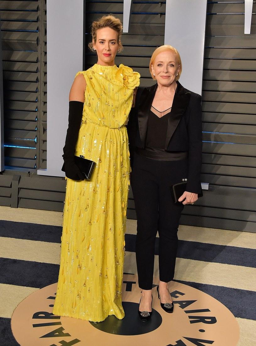 Amerykańska aktorka Sarah Paulson jest zdania, że różnica 32 lat między nią a jej życiową partnerką Holland Taylor, nie ma dla niej - w odróżnieniu od plotkarskich portali - żadnego znaczenia.