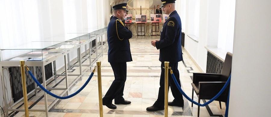 Praca w Straży Marszałkowskiej jest znacznie bardziej niebezpieczna niż praca strażaków, policjantów czy nawet funkcjonariuszy ABW.