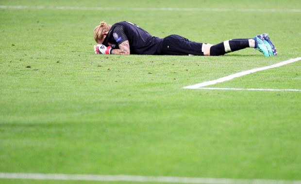 """Niemiecki bramkarz Liverpoolu Loris Karius przeprosił kolegów z drużyny i kibiców za błędy w przegranym w sobotę w Kijowie z Realem Madryt 1:3 finale piłkarskiej Ligi Mistrzów. """"Przykro mi, przepraszam wszystkich"""" - powiedział."""