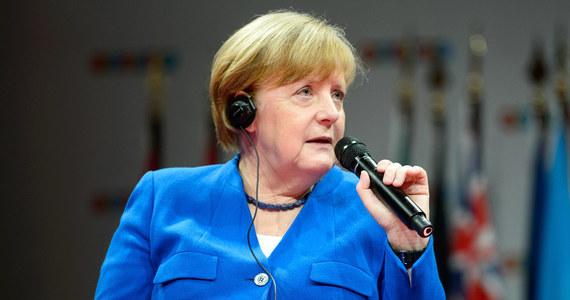 Kanclerz Angela Merkel powiedziała, że Niemcy niepokoi osłabienie porządku międzynarodowego opartego na wielostronnych porozumieniach i organizacjach, który powstał po to, by ułatwiać i promować współpracę między państwami.