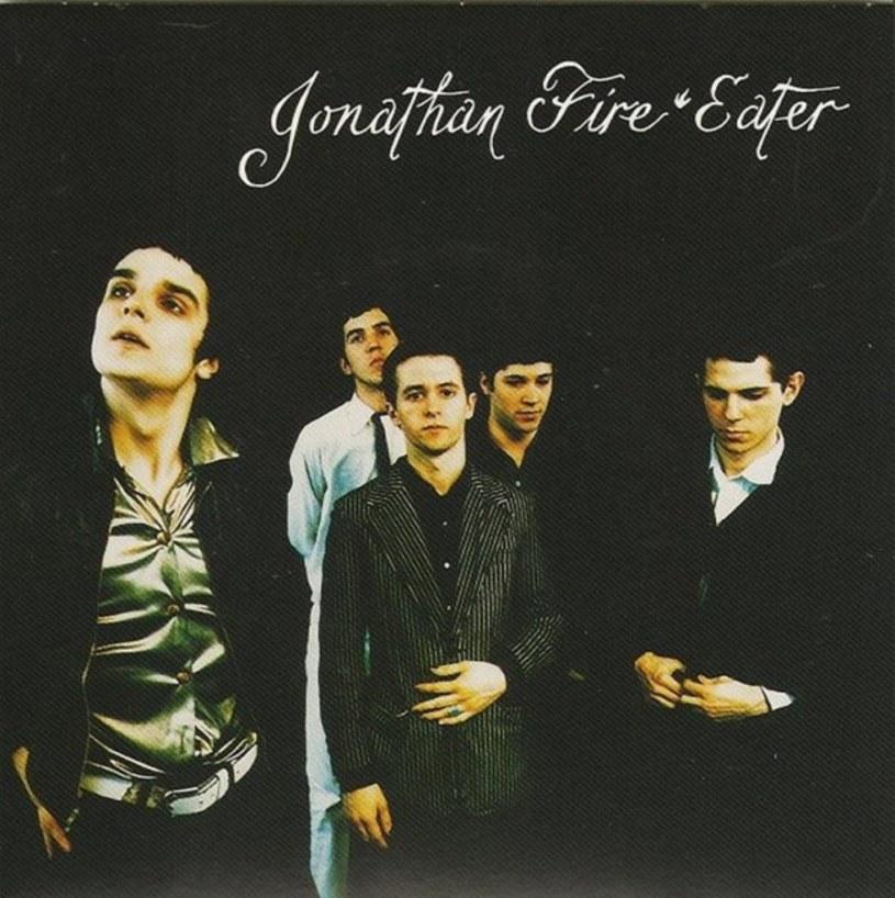 Wokalista i gitarzysta rockowego zespołu Jonathan Fire*Eater zmarł 28 maja w wieku 43 lat. Nieznana jest przyczyna śmierci.