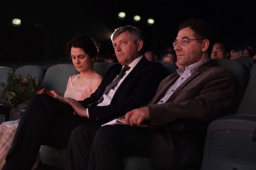 Każdego roku, trzeci dzień Krakowskiego Festiwalu Filmowego kończy ceremonia wręczenia najważniejszej festiwalowej nagrody - Smoka Smoków, przyznawanej za wyjątkowy wkład w rozwój światowej kinematografii. Tym razem Rada Programowa Krakowskiej Fundacji Filmowej postanowiła uhonorować wybitnego reżysera dokumentalistę Siergieja Łoźnicę. 21. laureat tego prestiżowego wyróżnienia jest także najmłodszym w historii zdobywcą tej nagrody.