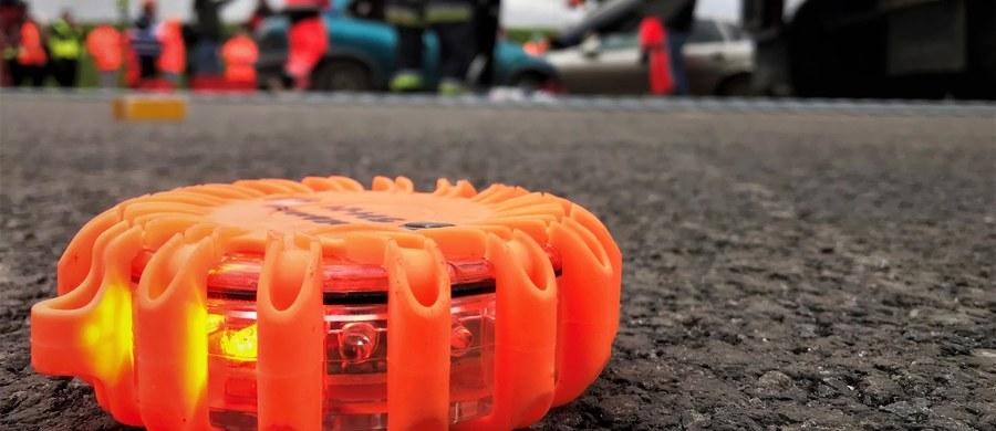 Wypadek z udziałem pojazdu Żandarmerii Wojskowej na obwodnicy Trójmiasta w Gdańsku. Do szpitala trafił żandarm. Informację o tym zdarzeniu dostaliśmy na Gorącą Linię RMF FM.