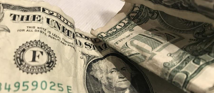 Rosyjski Komitet Śledczy prowadzi kontrolę w sprawie zaginięcia części pieniędzy, które skonfiskowano podczas głośnego zatrzymania pułkownika MSW Dmitrija Zacharczenki. Chodzi o równowartość co najmniej 2 milionów dolarów, które miały trafić do skarbu państwa.