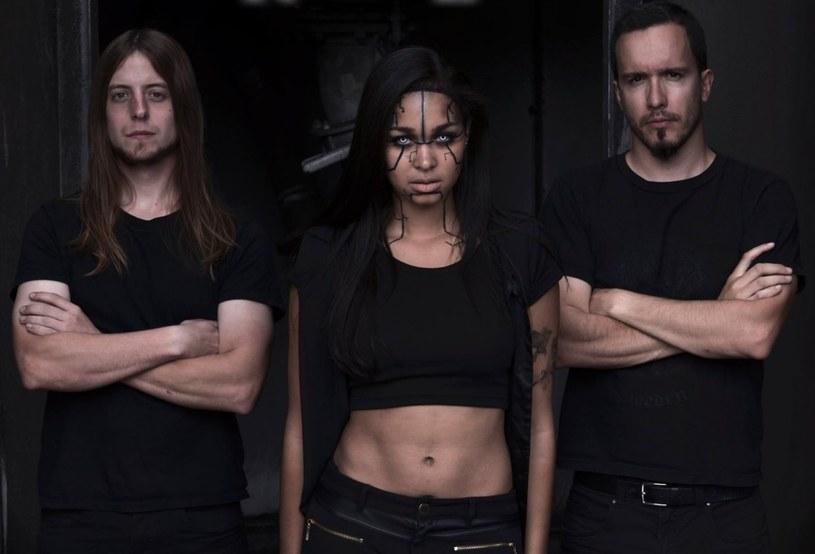 Szwajcarska formacja Rage Of Light podpisała kontrakt.