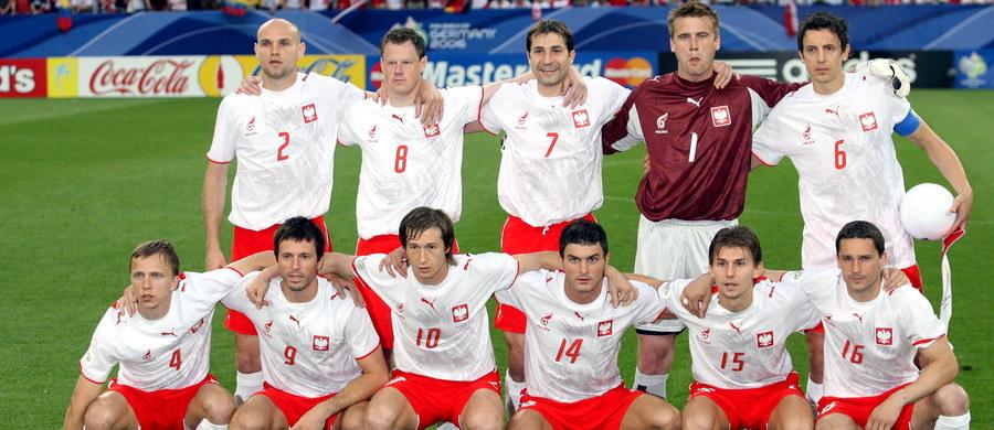 O godzinie 14:00 selekcjoner Adam Nawałka ogłosi ostateczny 23-osobowy skład, w którym reprezentacja Polski będzie grać na Mistrzostwach Świata w Rosji. Wydaje się, że selekcjoner nie zaskoczy i na mundial pojadą najlepsi zawodnicy tej reprezentacji. Jednak nie zawsze tak było, a polscy selekcjonerzy umieli zaskakiwać nawet swoich asystentów.