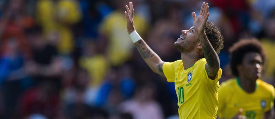 Brazylia pokonała Chorwację 2:0 w towarzyskim meczu piłkarskim rozegranym w Liverpoolu. W wielkim stylu do gry po kontuzji wrócił Neymar, który zdobył jedną z bramek. Obie drużyny przygotowują się do piłkarskich mistrzostw świata w Rosji.
