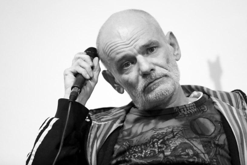 Świat polskiej muzyki żegna zmarłego w niedzielę (3 czerwca) w wieku 57 lat Roberta Brylewskiego, legendę polskiej muzyki alternatywnej, współtwórcy zespołów Brygada Kryzys, Izrael czy Armia.
