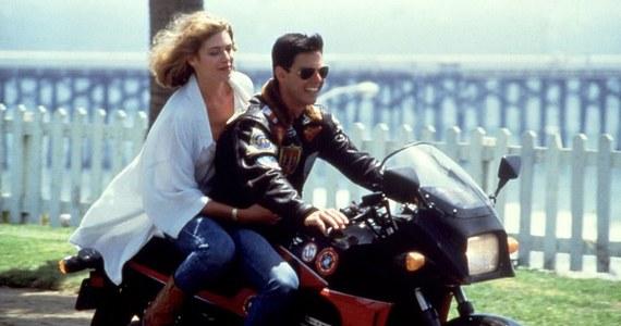 """""""Tak długo na to czekałam"""". """"Genialna wiadomość"""". """"Tylko tego nie zepsujcie"""". To tylko część komentarzy fanów Toma Cruisa na wieść, że ruszyły prace na planie drugiej części kultowego filmu """"Top Gun"""". Tom Cruise ujawnił początek prac zdjęciem przy samolocie i słynnym cytatem z pierwszej części """"Feel the need""""."""