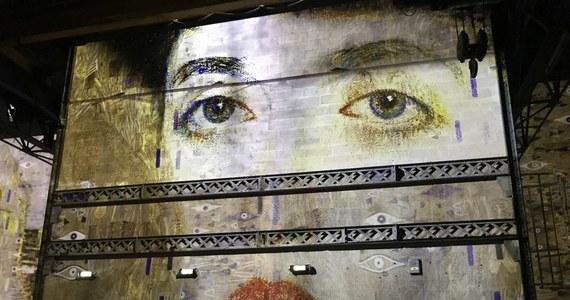 Rekordy popularności bije w Paryżu niecodzienna wystawa poświęcona mistrzowi secesji Gustavowi Klimtowi. W ciągu zaledwie półtora miesiąca przyciągnęła ona już ponad ćwierć miliona zwiedzających.