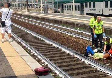 Ratowali życie potrąconej przez pociąg kobiecie. Młody mężczyzna robił selfie