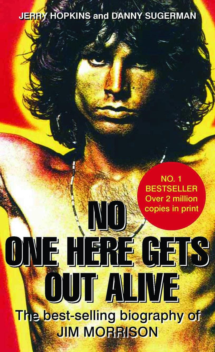 """W Bangkoku w Tajlandii zmarł Jerry Hopkins, autor słynnej biografii Jima Morrisona z The Doors - """"Nikt nie wyjdzie stąd żywy""""."""