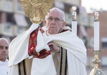 Papież zachęca do modlitwy w intencji odpowiedzialnego korzystania z internetu