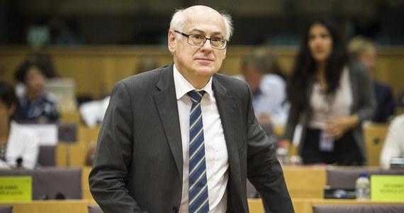 W PE po przyszłorocznych wyborach może powstać nowa frakcja prawicowa. Wraz z wyjściem Wielkiej Brytanii z UE frakcja EKR, do której należy PiS, znacznie się zmniejszy. Według nieoficjalnych informacji PiS prowadzi rozmowy na temat możliwości utworzenia nowej grupy.