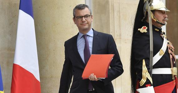 We francuskim ministerstwie gospodarki przeprowadzono w środę przeszukanie w ramach śledztwa w związku z domniemanym konfliktem interesów, w jaki miał być uwikłany obecny sekretarz generalny w kancelarii prezydenta Emmanuela Macrona, Alexis Kohler.