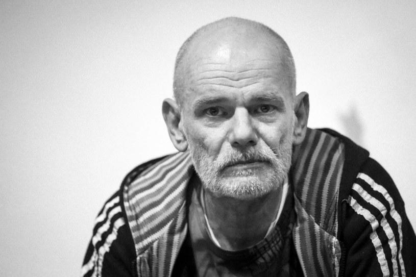 Wciąż nieznana jest jeszcze data pogrzebu Roberta Brylewskiego. Wokalista, gitarzysta, kompozytor i współzałożyciel zespołów Kryzys, Brygada Kryzys, Izrael oraz Armia zmarł w wieku 57 lat.