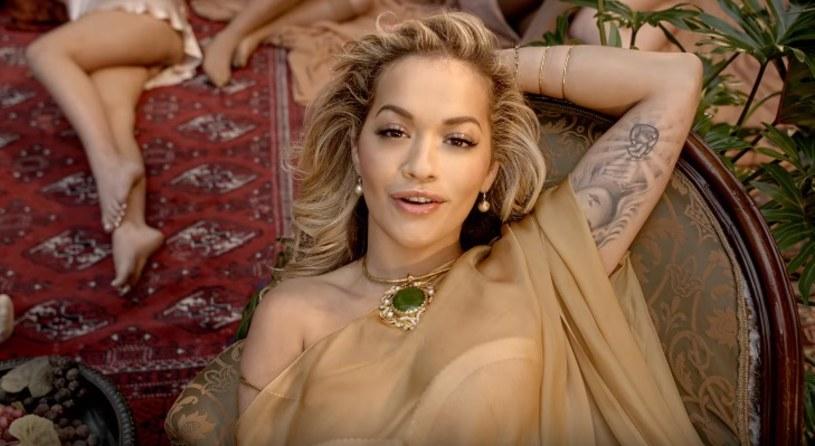 """W sieci dostępny jest już teledysk do utworu """"Girls"""", który Rita Ora nagrała z Cardi B, Bebe Rexhą i Charli XCX."""
