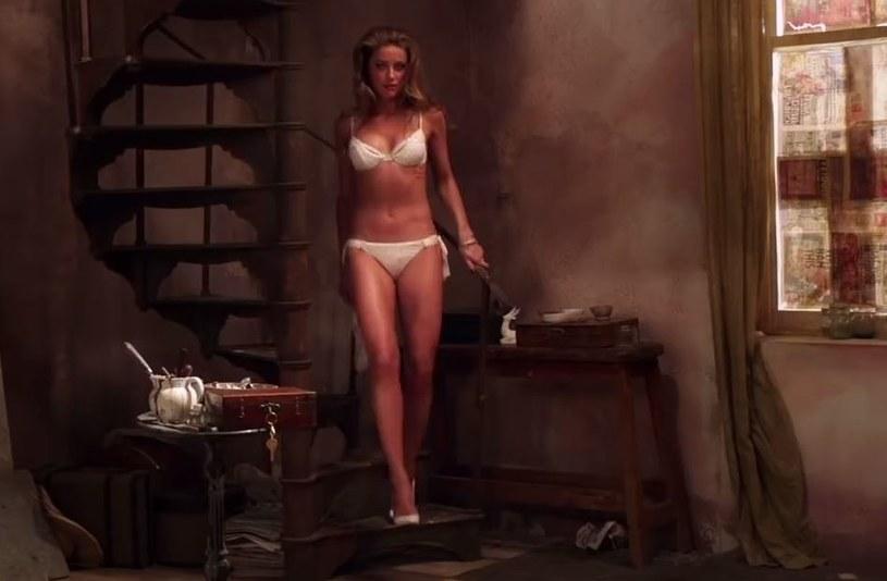 """Ponad dwa lata od premierowego pokazu na festiwalu filmowym w Toronto kontrowersyjny obraz """"London Fields"""" powinien doczekać się regularnej kinowej dystrybucji. Wytwórnia Lionsgate udostępniła w końcu oficjalny zwiastun produkcji z główna rola Amber Heard."""