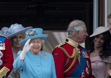 Tysiące gości i kolorowa defilada. 92. urodziny królowej Elżbiety II