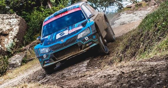 Łukasz Pieniążek (Printsport Racing, Skoda Fabia R5) zajął piąte miejsce w kategorii WRC 2 15. Rajdu Sardynii. W niedzielę Polak przesunął się w górę klasyfikacji o jedną pozycję. Drugi ze startujących w tej imprezie Polaków - Kajetan Kajetanowicz - finiszował na siódmej pozycji