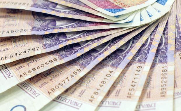 Nowy tydzień przyniesie podwyżki pensji, rent i emerytur. W świecie gospodarki sporo będzie mówiło się także o wielkiej polityce.