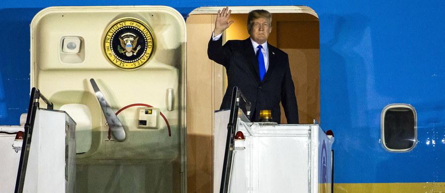"""Rozmowy USA i Korei Północnej posuwają się naprzód """"szybciej niż oczekiwano"""", a prezydent Donald Trump opuści Singapur we wtorek, wcześniej niż planowano - poinformował Biały Dom."""