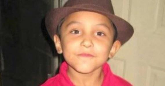 """8-letni Gabriel Fernandez został zakatowany na śmierć przez swoją matkę i jej chłopaka. Znęcali się nad chłopcem, bo """"przypuszczali, że jest homoseksualistą"""" – pisze """"Daily Mail"""". Oboje zostali skazani: matka na dożywotnie więzienie, jej partner na karę śmierci."""